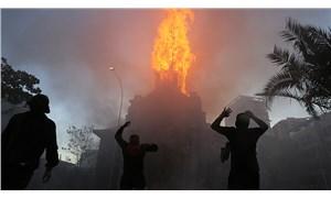 Şili'de Cunta Anayasası'nın reddedildiği gösterilerde iki kilise yandı, 18 polis yaralandı