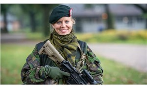 Hollanda'da askerlik kadınlara zorunlu hale getirildi