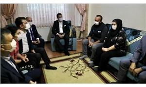 İmamoğlu ve Bozkurt, EBA'ya erişemediği için çatıdan düşen Çınar'ın ailesini ziyaret etti