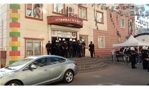 HDP Diyarbakır İl Binası'na polis baskını: İl ve ilçe eşbaşkanları gözaltına alındı