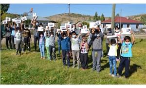 Varto Onpınar'da yurttaş dayanışması: EBA'ya erişemeyen öğrencilere tablet dağıttılar