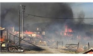 Bolu'nun Kuzfındık köyünde çıkan yangın kontrol altına alındı: 12 ev yandı