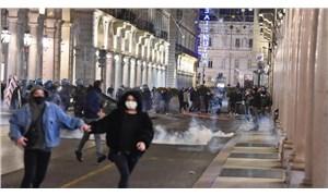 İtalya'da koronavirüs tedbirleri protesto edildi