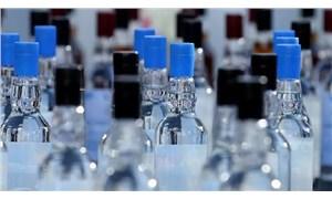 Antalya'da bir otelin deposunda 1108 litre sahte içki ele geçirildi
