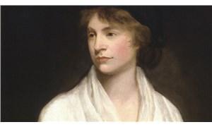 Feminist Mary Wollstonecraft'ın eleştirilere hedef olanLondra'daki çıplak heykeli bant ve maskelerle örtüldü