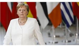 Almanya'da önlemlere devam: Virüsün hızı yavaşladı ama durdurulamıyor