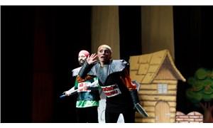 'Ah Şu Mikroplar' tiyatro oyunu çocuklarla buluştu