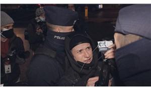 Polonya'da kadınlar, ücretsiz eğitim ve kürtaj talebiyle sokakta