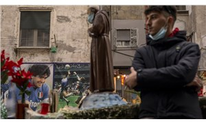 Fotoğraflarla: Napoli halkı, efsane futbolcu Maradona için yasta