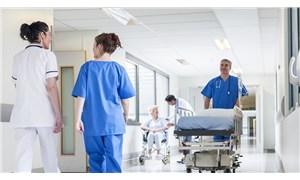 Hastane işçileri zor durumda: Bir yanda yoksulluk bir yanda virüs