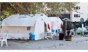 Havalar soğuyor, çadırlarda kalmak zorlaşıyor