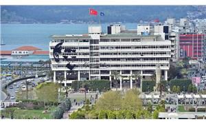 İzmir Büyükşehir binası yıkılıyor