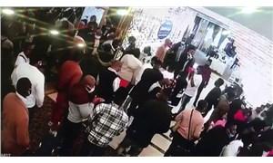 Düğün salonunda 'pazar ayini' düzenleyen Afrikalılara sosyal mesafe cezası
