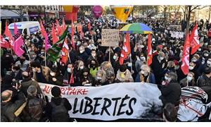 Fransa'da halk sansür ve şiddeti reddediyor