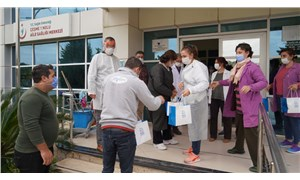 Çeşme Belediyesi'nden sağlık çalışanlarına kumanya