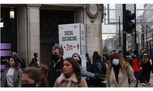 Karantinanın sona erdiği İngiltere'de '3 aşamalı önlem' kararı onaylandı