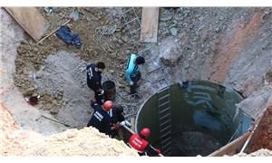 Adana'da kuyu çöktü: 2 işçiden 1'inin cansız bedenine ulaşıldı