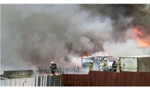 Tuzla'da fabrika deposunda yangın