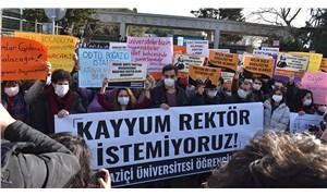 Öğrenciler, akademisyenler üniversitesine sahip çıktı: Kayyum rektöre hayır