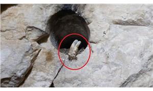 Roma dönemine ait oda mezarda patlayıcı için yerleştirilmiş kablolar bulundu