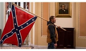 ABD Kongre baskınında konfederasyon bayrağı açan adam gözaltına alındı