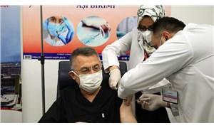 Fuat Oktay da aşı oldu: Türkiye'nin dünyaya örnek bir aşılama sistemi var