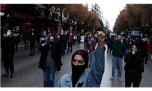 Yunanistan'da öğrenciler: Polis üniversiteden dışarı