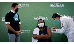 Brezilya'da ilk koronavirüs aşısı hemşireye yapıldı