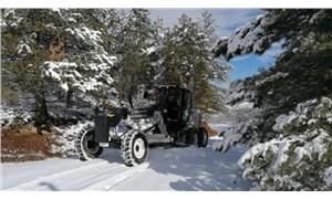 Elazığ'da 94 köy yolu, kar nedeniyle ulaşıma kapandı