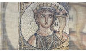 İzmir'de 4 kişi, satmaya çalıştıkları 2 bin yıllık mozaik ile yakalandı