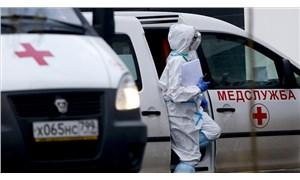 Rusya'da koronavirüs hastalarıyla çalışan doktorlar erken emekli olabilecek