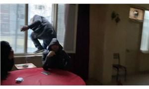 Esenyurt'ta 5 kez basılan kıraathaneye yeni baskın: Okey masasında yakalanan kişi camdan atlayarak kaçtı