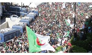 Cezayir'de, Hirak yeniden sokaklarda: Çete defolmalı!