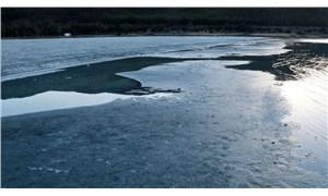 Salda Gölü'nde adacıklar oluştu: Kuruma tehlikesi var