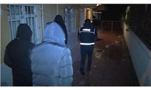 Balıkesir'de 'gel-al' indirimi yapan torbacı tutuklandı