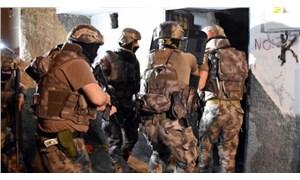 Mersin'de ev baskını: 6 kişi gözaltına alındı