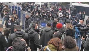 Polis direnen öğrencileri ailelerine şikâyet etti
