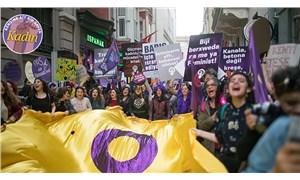 Kadınlar 8 Mart'ta eylemde