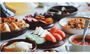 Sağlık Bakanlığı: Yemeklerde tuz yerine limon, sirke, baharat kullanın