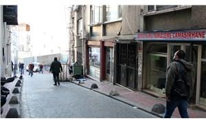 Beyoğlu'nda trans kadına saldırı: Yüzüne tuz ruhu atıldı