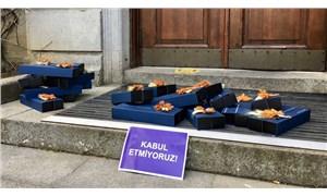 Boğaziçili akademisyenler protestolarının 48. gününde: 8 Mart hediyeleri Bulu'ya iade edildi