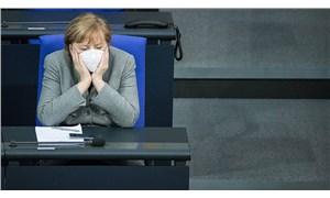 Merkel: Aşının etkileri 3-4 ay sonra görülecek