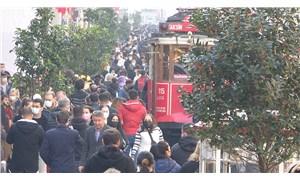 İstiklal Caddesi kalabalık nedeniyle bir süre kapatıldı