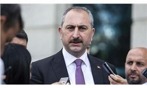 Adalet Bakanı Gül: Magazin uğruna kadını malzeme edenleri kınıyorum