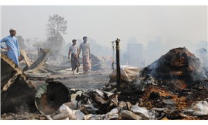 Rohingya mültecilerinin kampında yangın: 15 kişi öldü, 400 kişiden haber alınamıyor