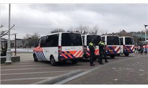 Hollanda'da Covid-19 kısıtlamaları 20 Nisan'a kadar uzatıldı