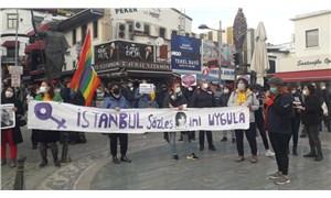 Antalya'da kadınlar İstanbul Sözleşmesi için sokakta