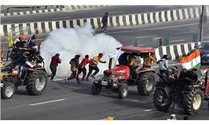 Hindistanlı çiftçiler tarım yasası protestosunun 4'üncü ayında demiryolu raylarını trafiğe kapattı