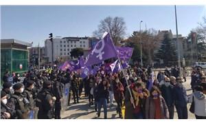 """Kadınlar Kadıköy'de haykırdı: """"Susmuyoruz, korkmuyoruz, itaat etmiyoruz!"""""""