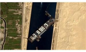 Süveyş Kanalı'nı tıkayan gemi sonunda hareket ettirildi